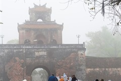 Hue charming and romantic in fog